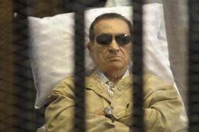 الفيلم الوثائقى عائلة مبارك .. سقوط مدوى ( مشاهدة مباشرة بدون تحميل )